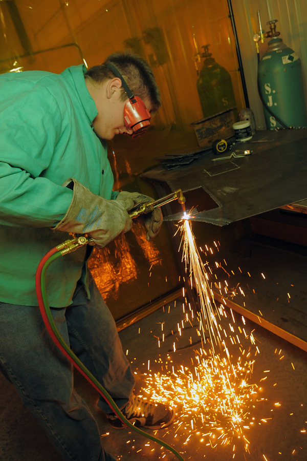 Area Manufacturers Hiring Skilled Workers